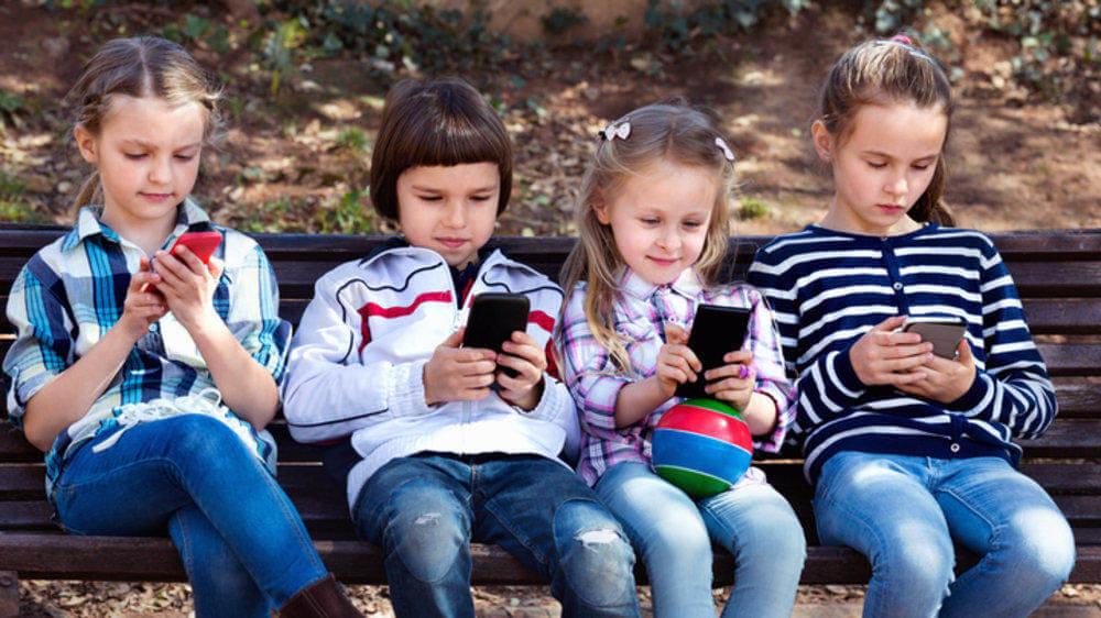 Serba Online Selama Pandemi, Bisakah Anak Kecanduan Gadget?