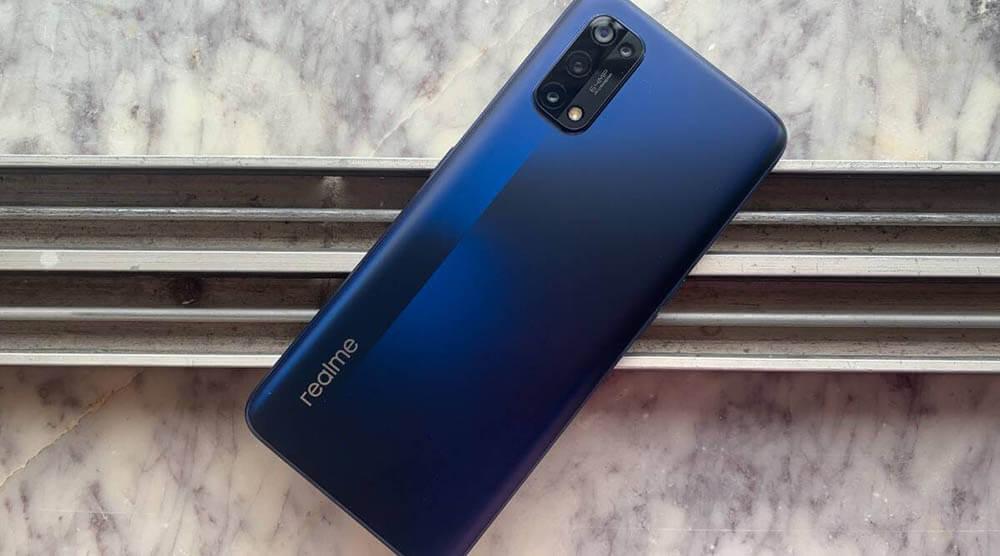 Harga Terjangkau Fitur Super Lengkap, Ini Hands-on Realme 7 Pro