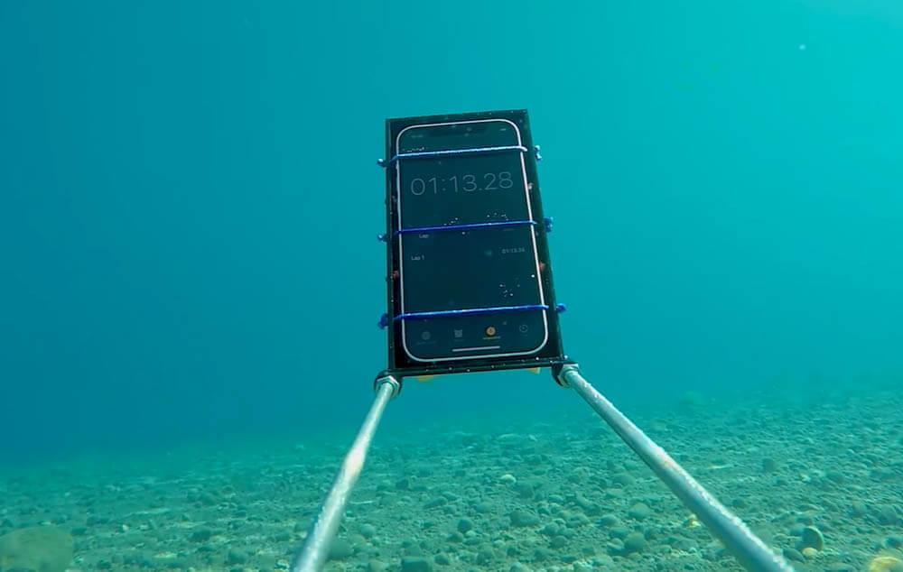 Endurance Test: iPhone 12 Ditenggelamkan Sedalam 20 Meter Selama 40 Menit